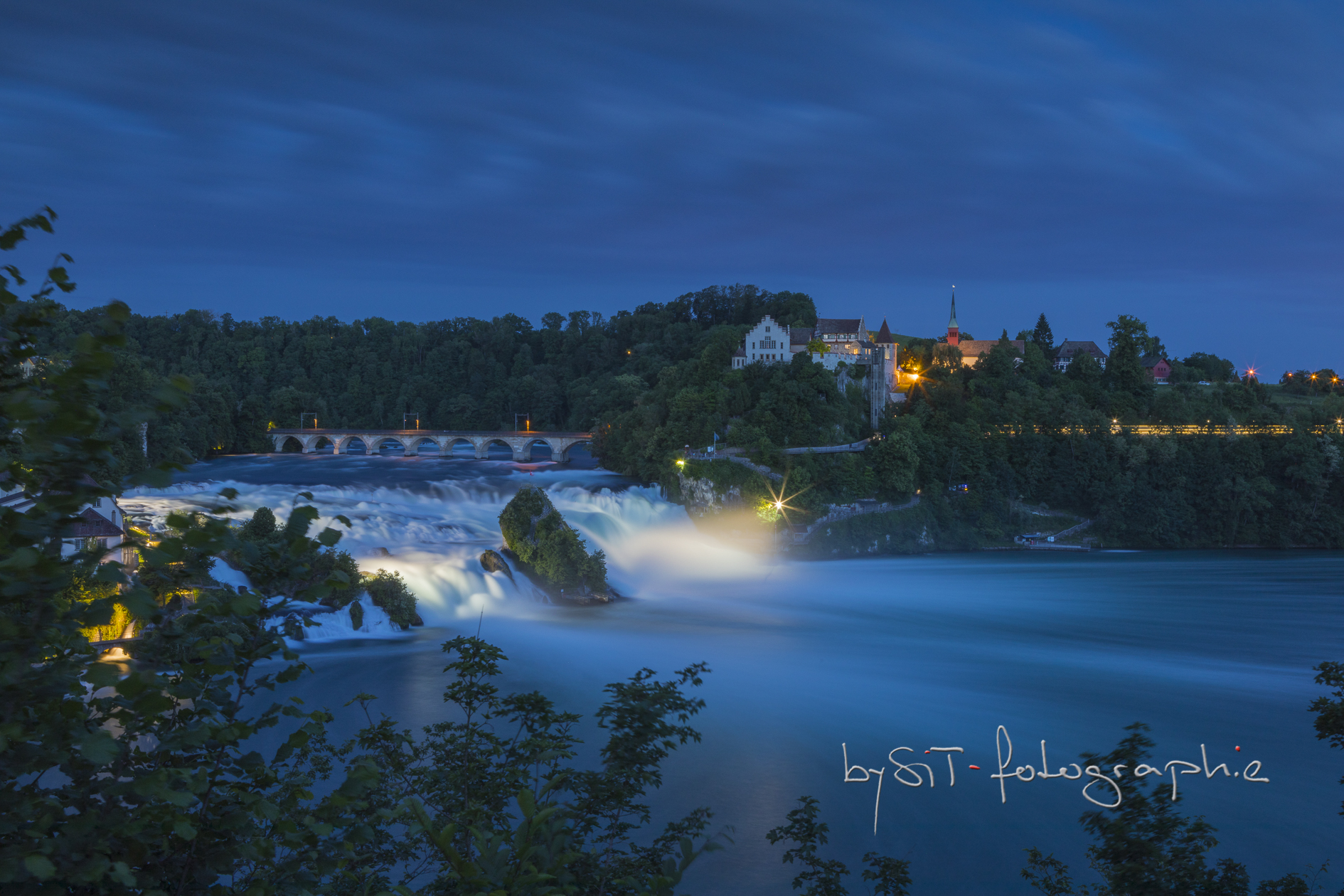 Rheinfall by night