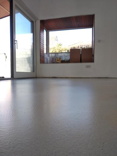 White limestone seamless resin floor
