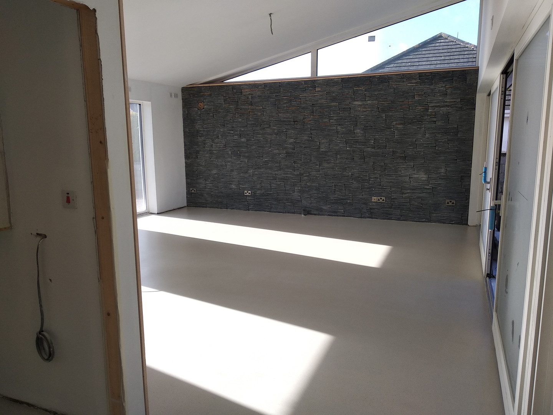 White limestone Dekoscreed, Seamless Resin Flooring