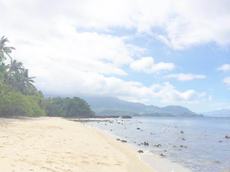 back packing-holiday-travel-philippines-puerto galera-beach-21.jpg