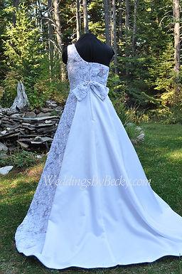 Truetimber Camo and Lace Wedding dress