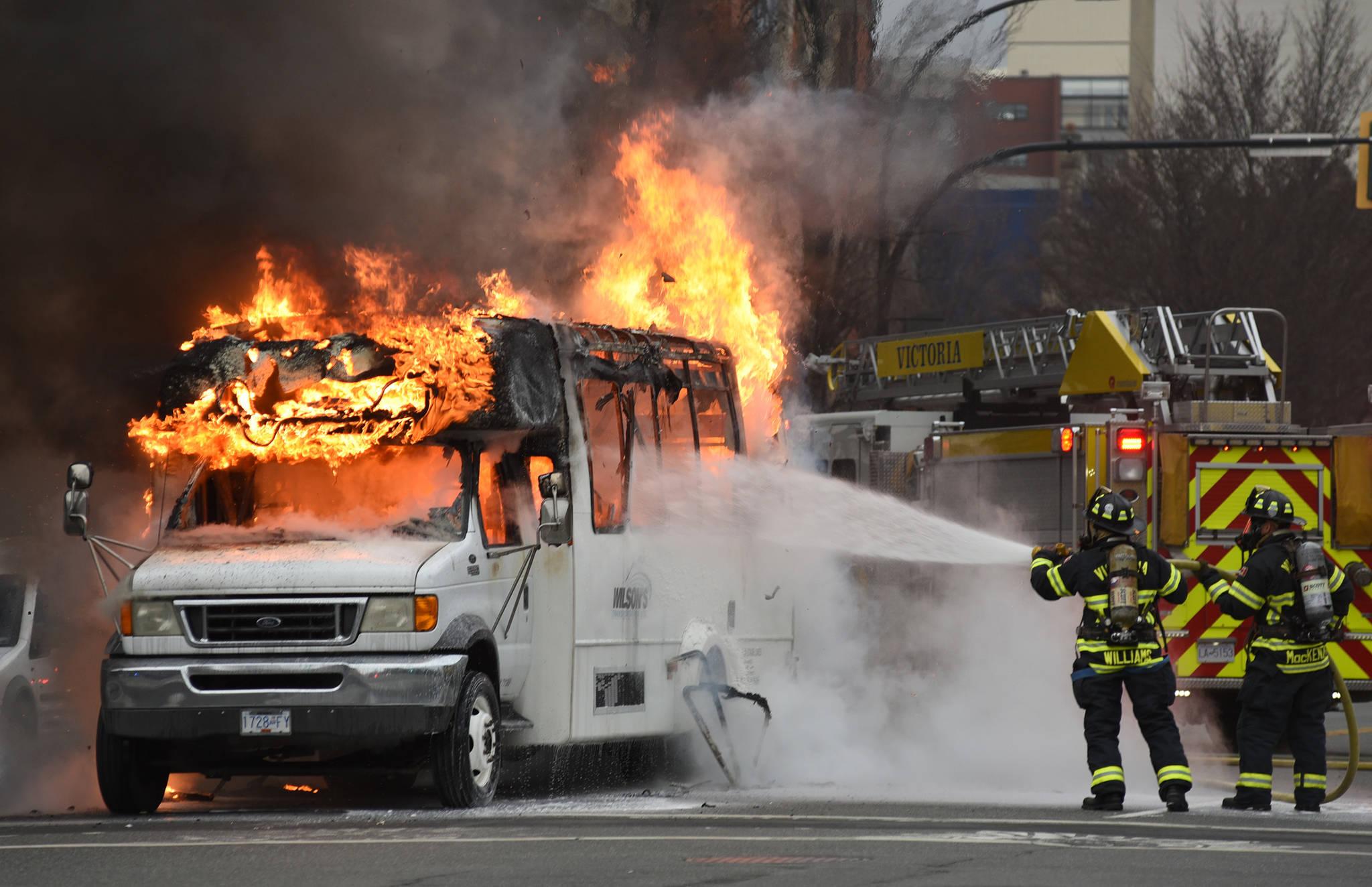 10813132_web1_copy_Bus-Fire-1.jpg