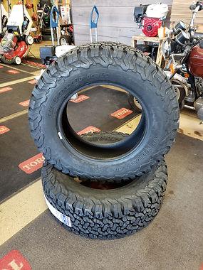 we_sell_truck_tires.jpg