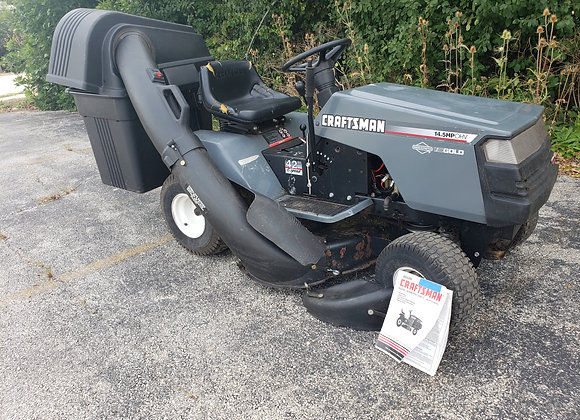 "42"" Riding lawnmower With bagger system"