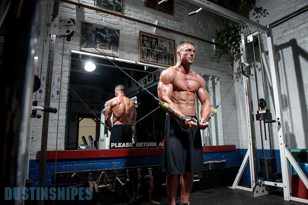 05-21-muscle-fitness-bill-sienerth-1543.jpg