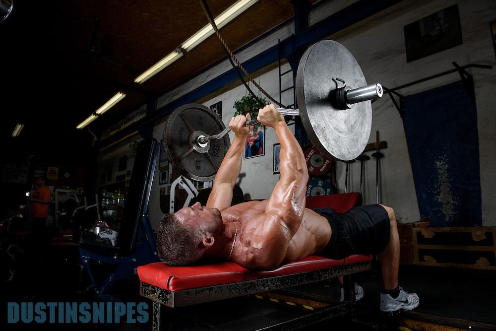 05-21-muscle-fitness-bill-sienerth-1984.jpg