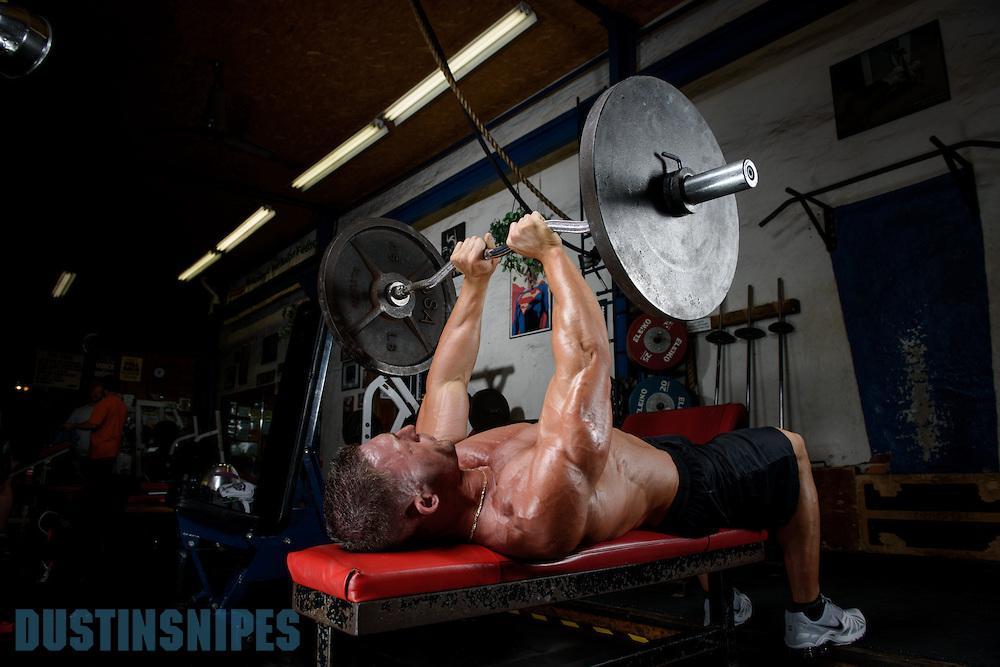 05-21-muscle-fitness-bill-sienerth-1981.jpg