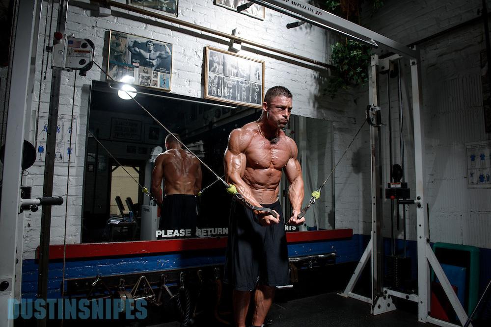05-21-muscle-fitness-bill-sienerth-1528.jpg