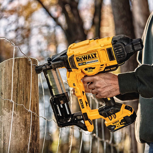 NEW TOOL!! Dewalt DCFS950 Cordless Fencing Stapler