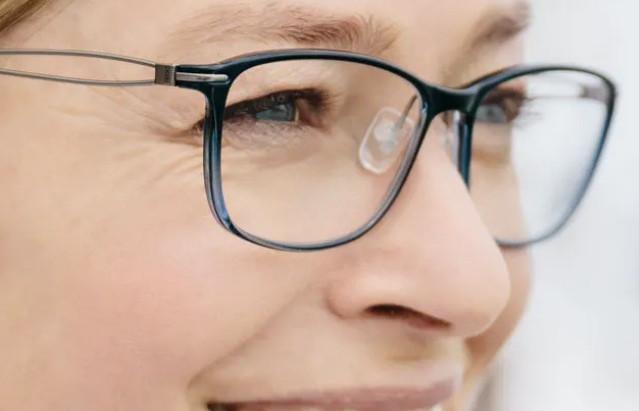 鏡片刮傷 ? 清潔與保養 | 視康佳視光中心|防霧。 龜裂脫膜。原因。