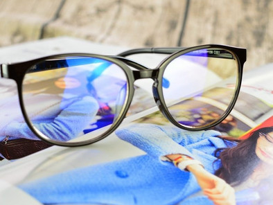 鹿港藍光眼鏡推薦  視康佳眼鏡 。您上班是否需要一直看電腦?而眼睛會有疲勞問題。鹿港老花眼鏡推薦 全套蔡司高階驗光。