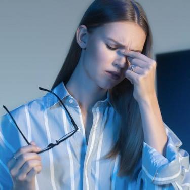 可見光(即藍光光譜的一部分)會對覺醒、睡眠週期、情緒和注意力產生影響
