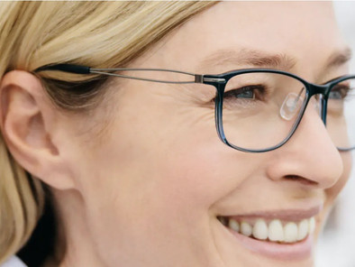 鏡片刮傷 ? 鏡片清潔與保養。鏡片防霧。鏡片龜裂脫膜原因。保存眼鏡的方法。視康佳眼鏡。