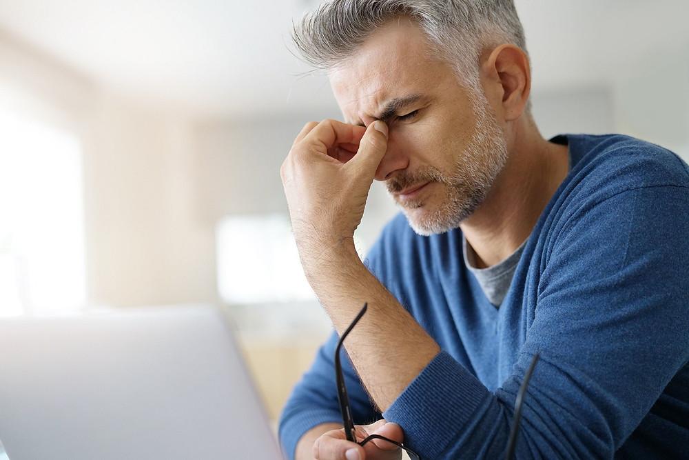 視力模糊可能是多種健康狀況的結果。它可能是暫時的,也可能是永久性的,隨著時間的推移病情會惡化。有些人可能會在出生時視力模糊,而其他人隨著時間的推移會出現視力模糊。
