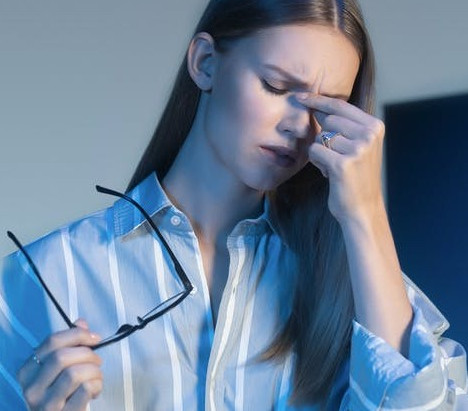 濾藍光眼鏡 推薦 - 視康佳蔡司鏡片經銷商 |蔡司鑽金藍光防護鏡片。兒童藍光防護鏡片。