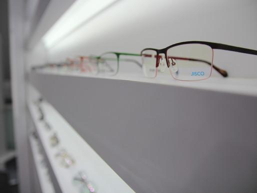 眼鏡框材料:金屬,塑料
