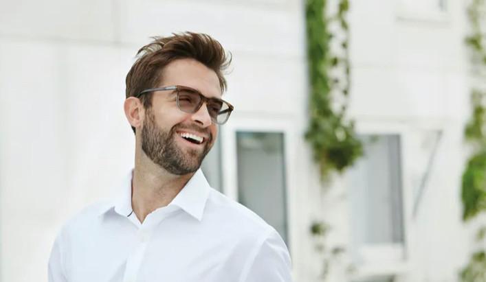 【蔡司變色鏡片 PhotoFusion】的 10 個問題和答案 | 視康佳眼鏡。