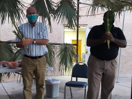 Blessing The Four Species in the Sukkah