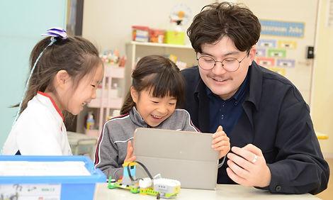 Tom%20Afterschool_edited.jpg