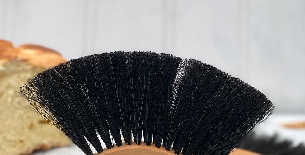Hedgehog valet crumb brush