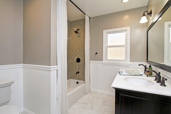 Bathroom Remodel in Eagle Rock, CA.jpg