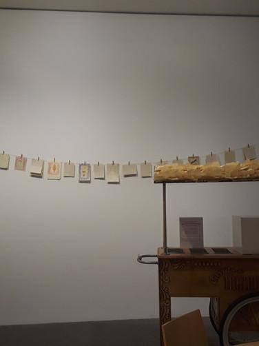 Gallery display of responses