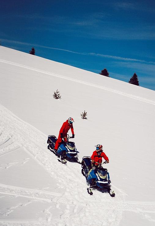 Ovit_snowmobile_2_edited.jpg