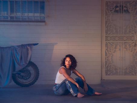 """Kiana Ledé: """"KIKI"""" Review"""