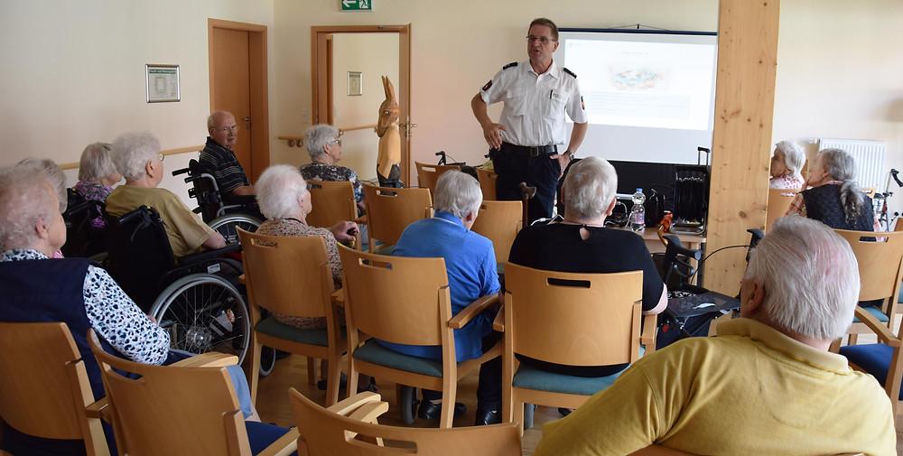 Foto von Vortrag im Seniorenzentrum an der Mühle