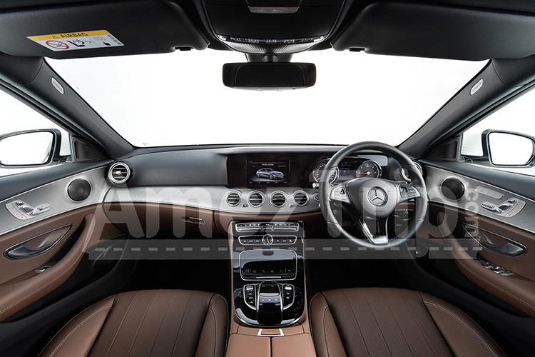 เช่ารถ-Benz-เบ๊นซ์-E-Class-07.jpg