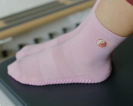Organic Crew Non Slip Grip Socks Ying Yang
