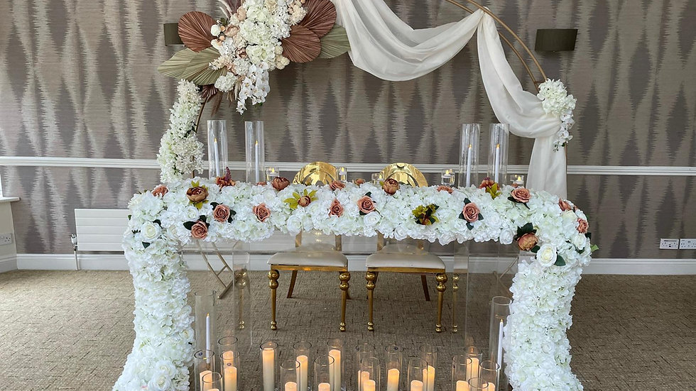 Ghost top table, sweetheart table hire