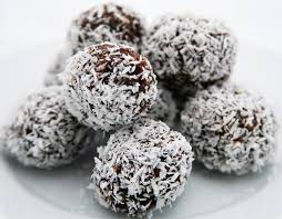 Healthy Cocoa balls, made from raw cocao, nuts, dates and goji berries, a recipe from Ronaldo's Dad