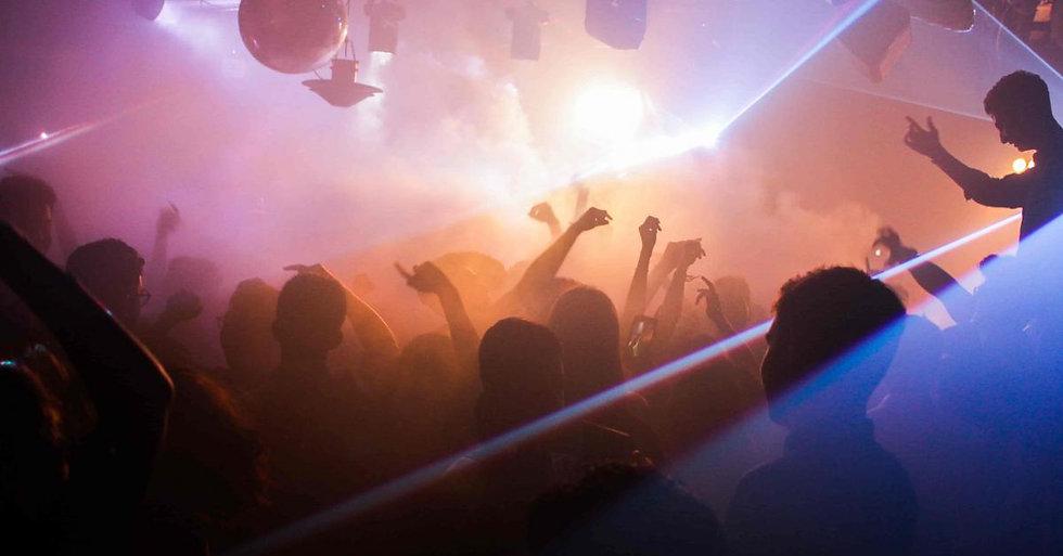 fiesta-discoteca-adolescente.jpg