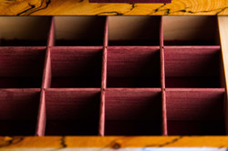 Drawer-adjustable compartments