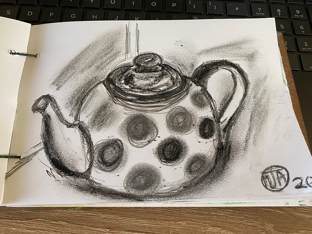Quick tea pot study from the daily drawings