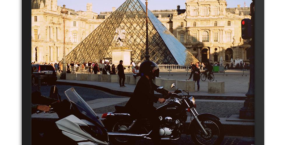"""""""C'est La Louvre"""""""