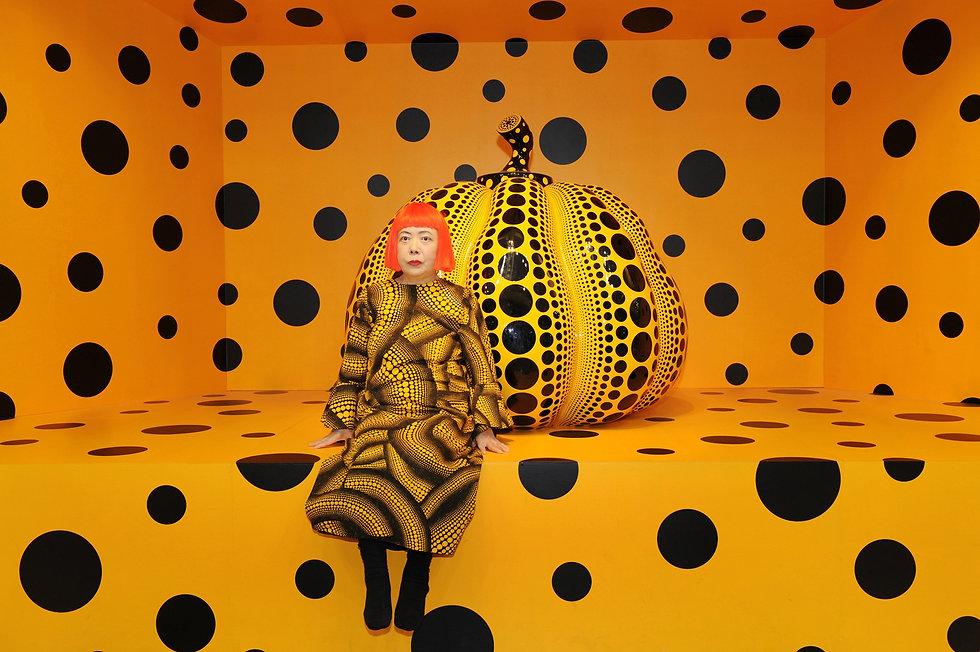 yayoi-kusama-pumpkin-ota-fine-arts-2010.
