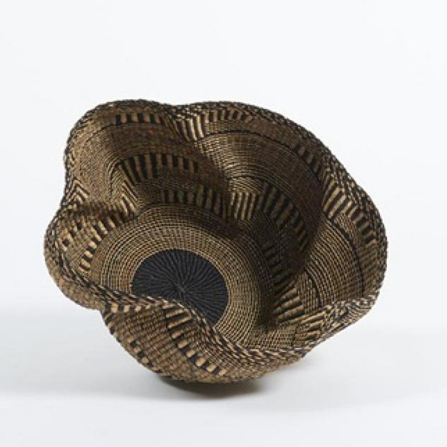 Baba Wave Basket in Black and Natural V