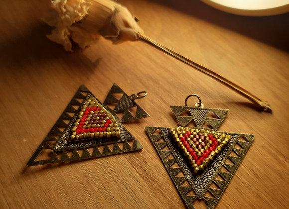 """Boucles d'oreilles ethniques """"triangle d'or"""""""