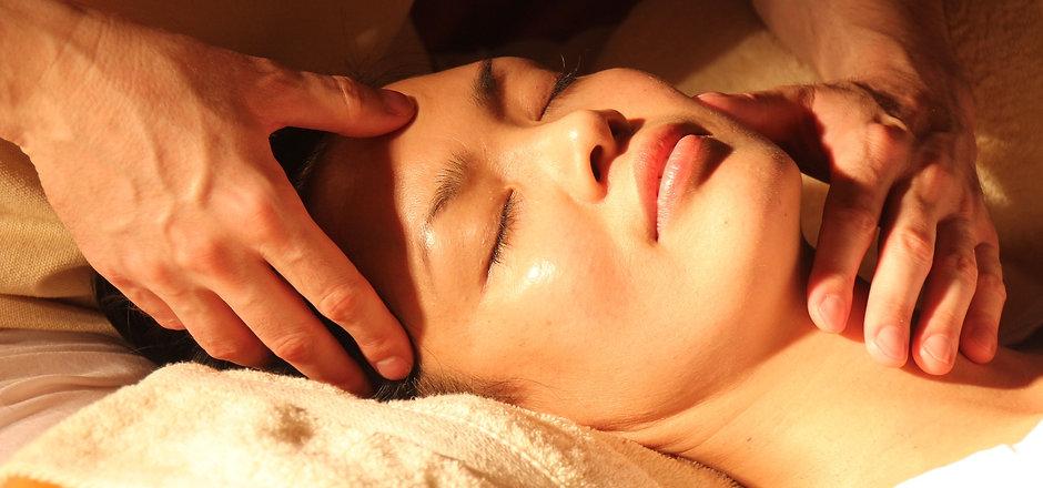 massage-1929064_1920 (2).jpg