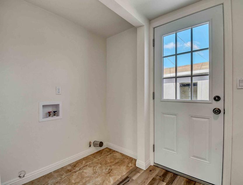 14803 S Castlegate Ave-15.jpg