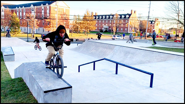 bike grind ledge_01493.jpg