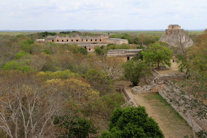 11 - Uxmal - Vue de la Grande Pyramide