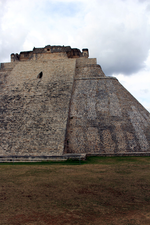 13 - Uxmal - Pyramide du Devin