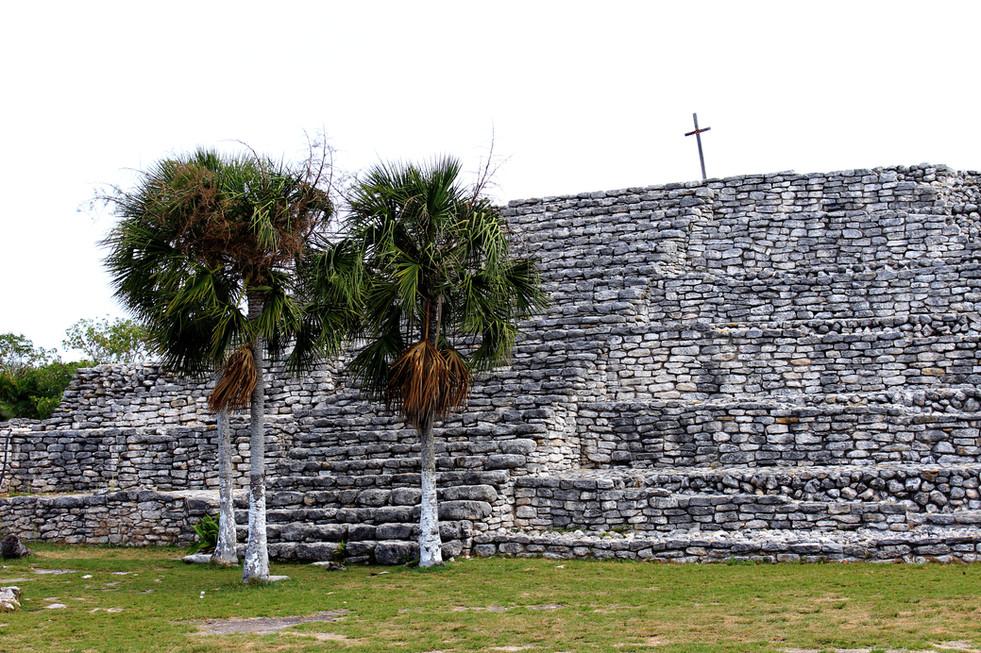 55 - X'cambó -  Temple de le Croix