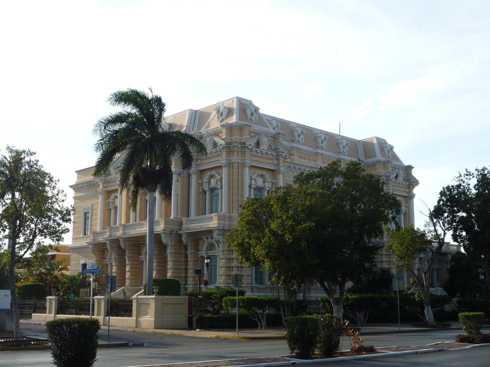 19 - Mérida - Paseo de Montejo - El Palacio Cantón