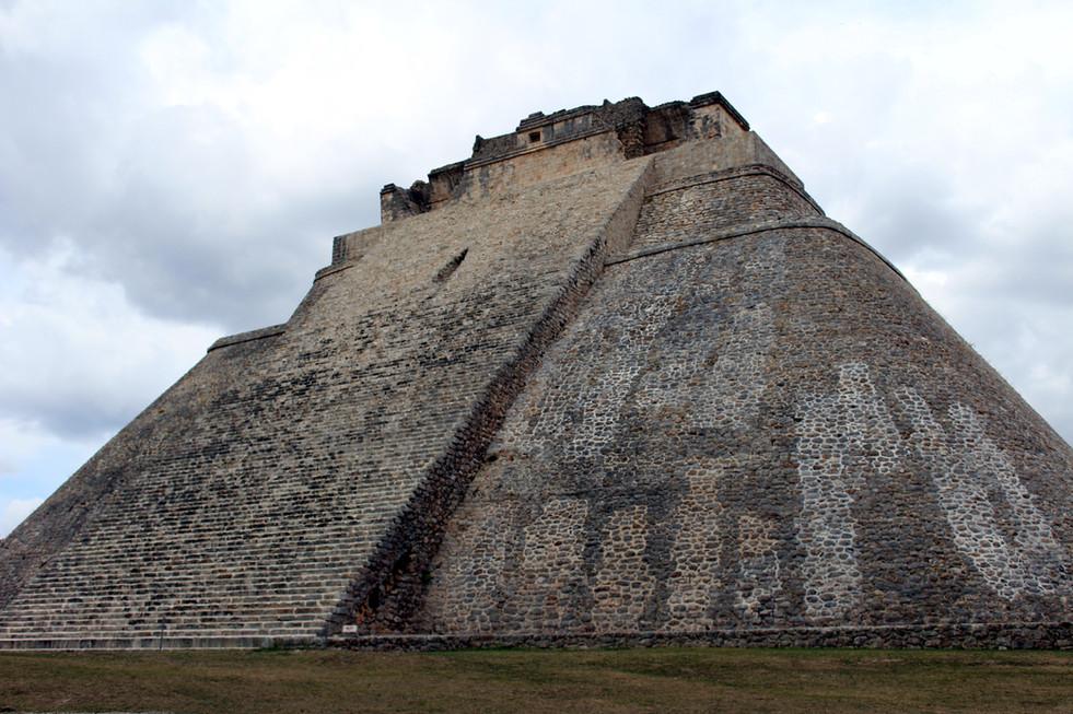 16 - Uxmal - Pyramide du Devin