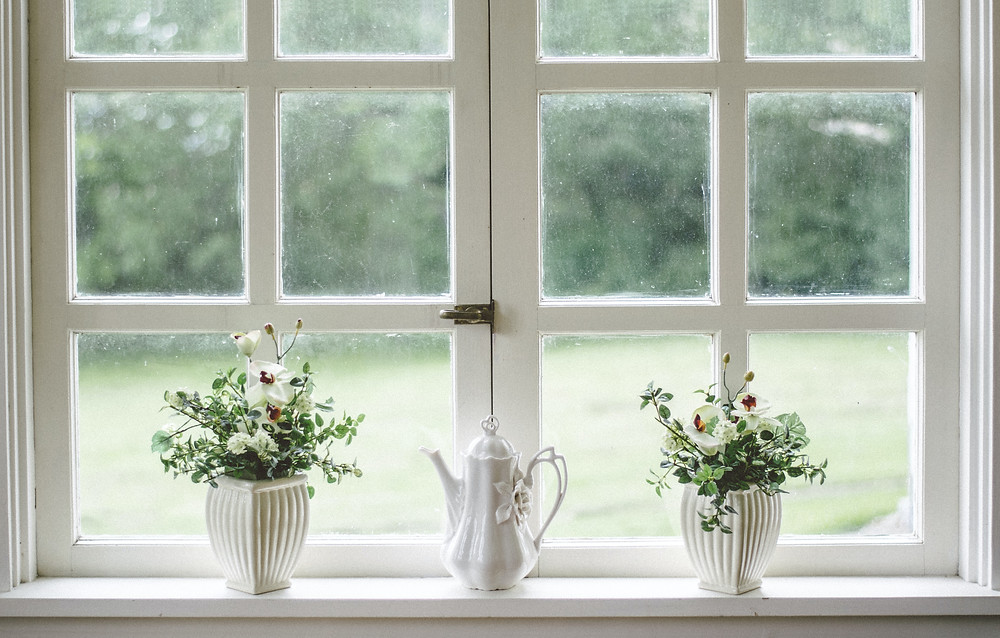 Wooden Frame Windows with Single Pane Glass