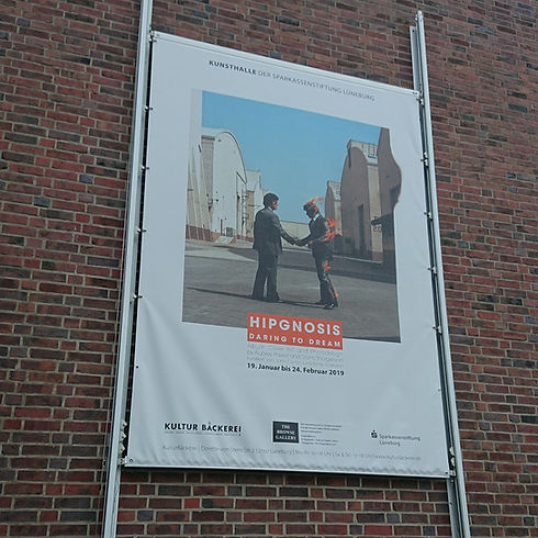 banner-fahnen-075_edited.jpg